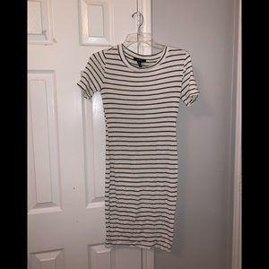 super cute striped fitted dress 🤍